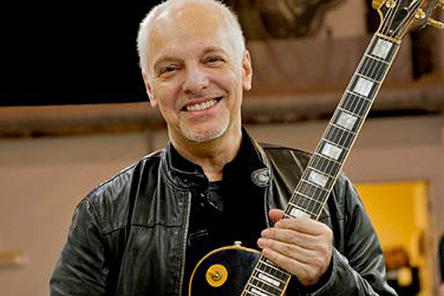 peter frampton plays recently returned guitar on stage for the first time. Black Bedroom Furniture Sets. Home Design Ideas