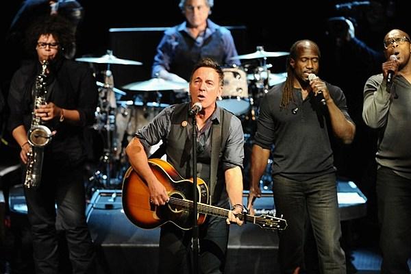 Bruce-Springsteen-Michael-Buckner.jpg?w=600&h=0&zc=1&s=0&a ...