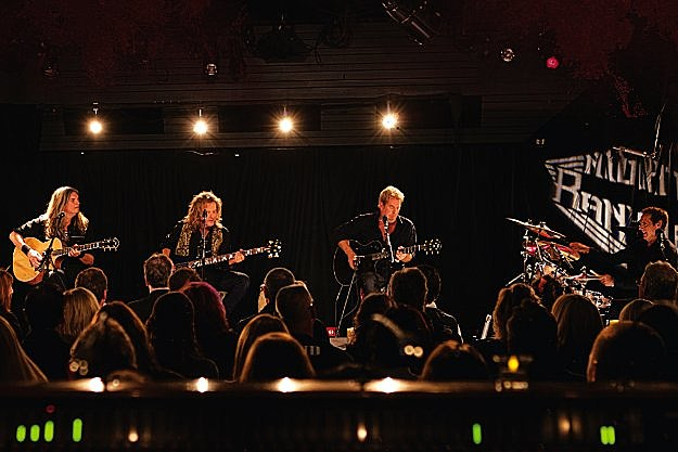 Night Ranger, '(You Can Still) Rock In America' (Live & Acoustic) – Video Premiere