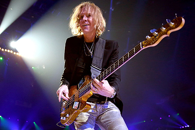 Aerosmith-Tom Hamilton