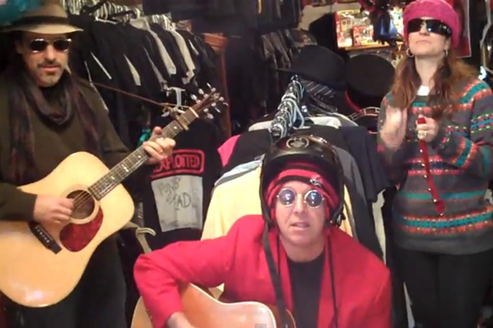 Aaron Freeman of Ween Covers John Lennon\'s \'Happy Xmas (War is Over)\'