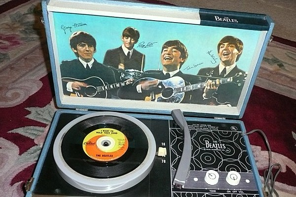 Beatles Record Player Sells For Over 12 000
