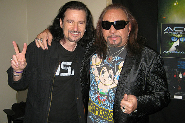 Bruce Kulick Ace Frehley Stage A Kiss Guitarist Summit
