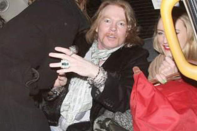Axl Rose Without a Hat – Pic of the Week