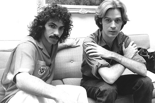 top 10 hall oates songs from the 39 70s. Black Bedroom Furniture Sets. Home Design Ideas