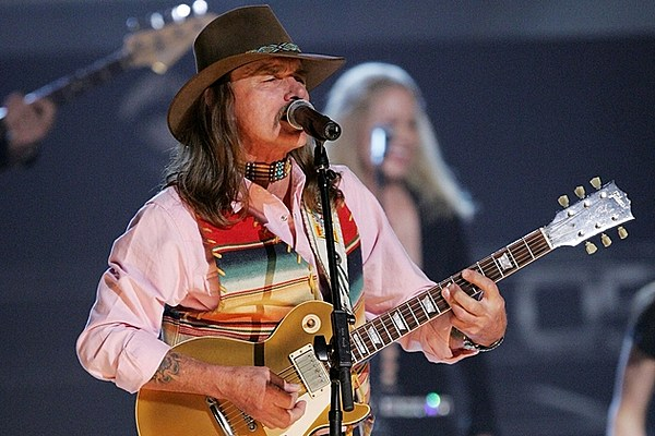 Dickey Betts Forced To Cancel Shows After Health Scare