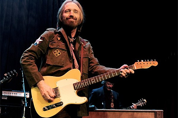 Tom petty says quot i won t back down quot