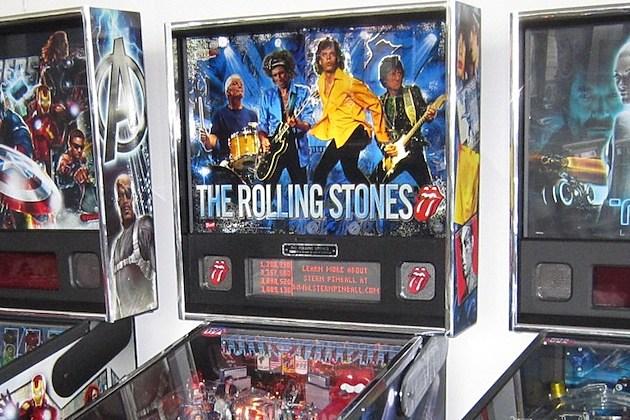 rolling stones pinball sells for 3 750. Black Bedroom Furniture Sets. Home Design Ideas