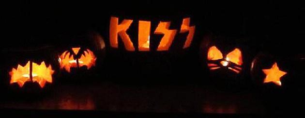 Kiss Pumpkin 1