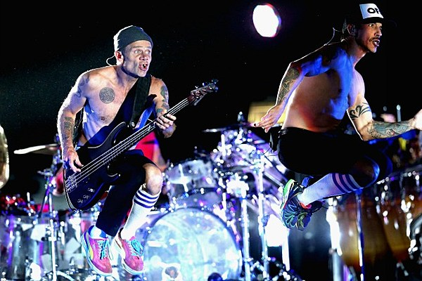 Red Hot Chili Peppers Super Bowl Halftime Show Red Hot Chili Peppers ...