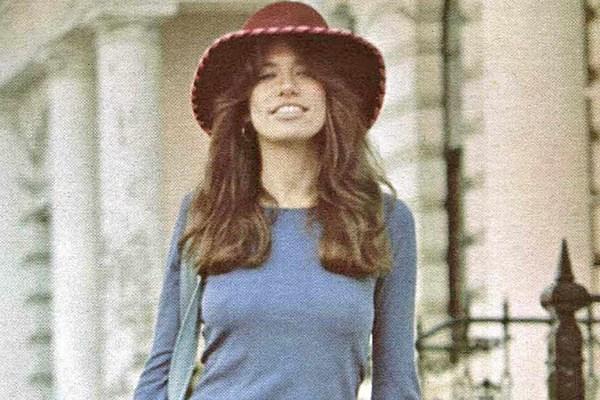 45 Years Ago: Carly Simon And Mick Jagger Top Charts