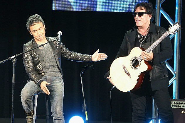 Arnel Pineda and Neal Schon