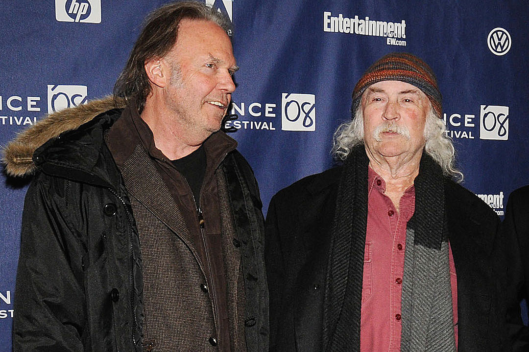 David Crosby Apologizes for Comments on