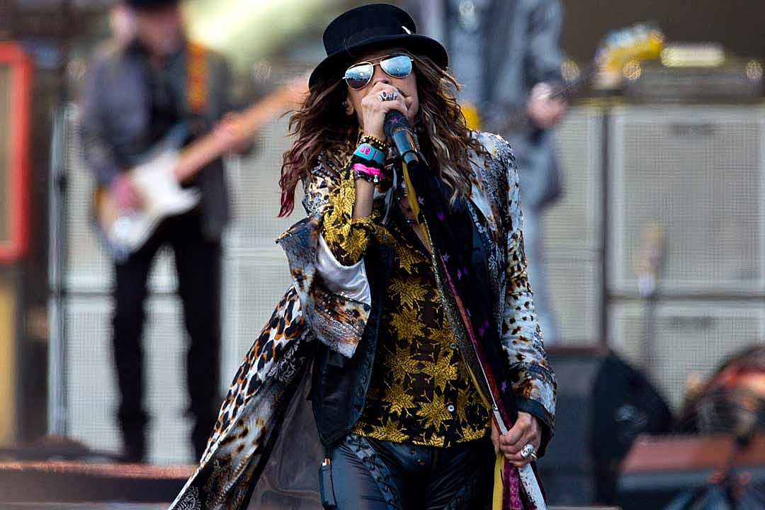 Steven Tyler Reportedly Suffered a Seizure