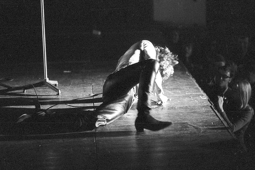 How a 1970 Boston Show Ended With Jim Morrison Being Dragged Offstage & The Secret History of the Doorsu0027 Bass Players