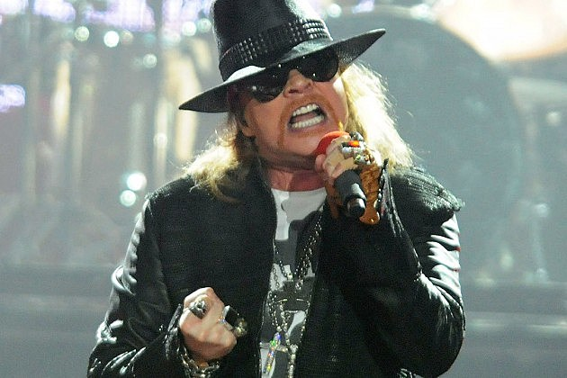 Axl Rose Accuses Indon...