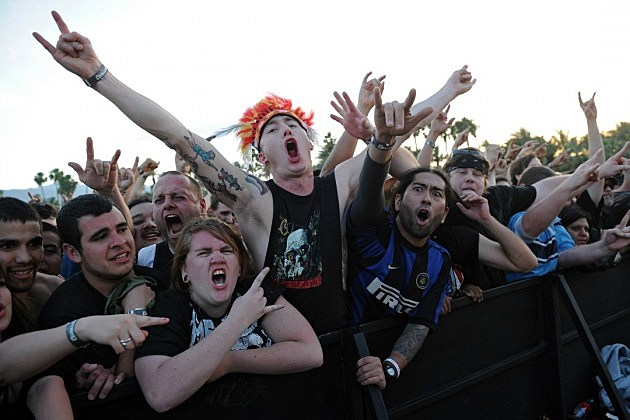 heavy metal fans dating Wanna connect with someone right up your alley heavy metal date is the perfect place for you i have a fan of the metal presents in the sound of contradictions.