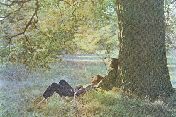 How John Lennon Broke With His Past on the Harrowing 'Plastic Ono Band'