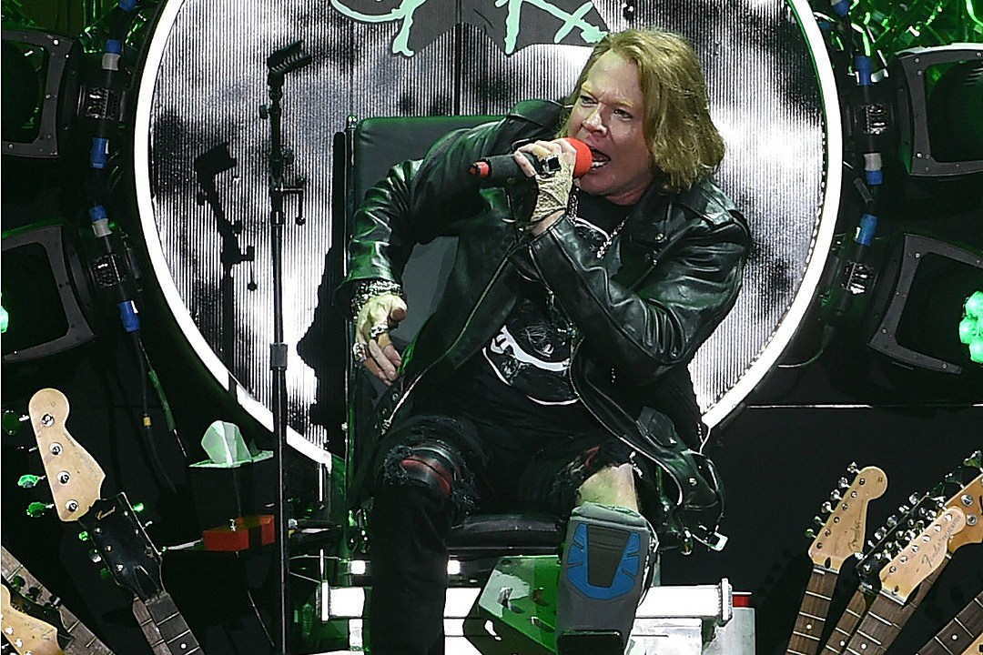 What Happened to Dave Grohl's Throne After Axl Rose Was Finished With It?