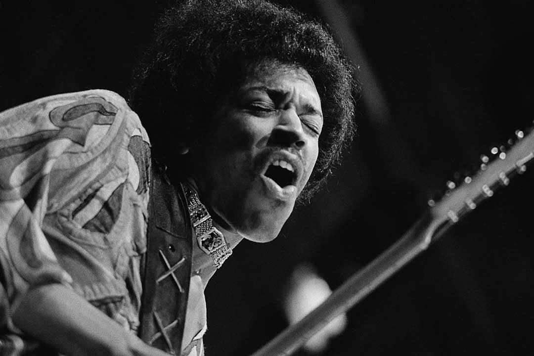 Jimi Hendrix, 'Machine Gun: The Fillmore East First Show 12/31/69′: Album Review