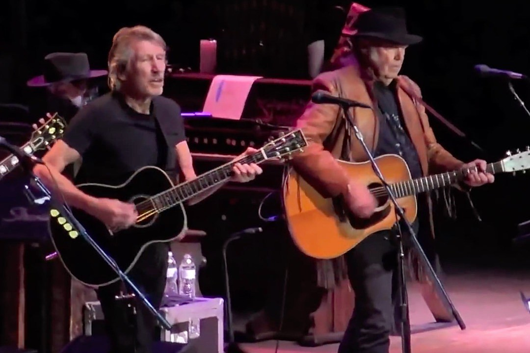 Watch Roger Waters, My Morning Jacket and Neil Young Cover Bob Dylan