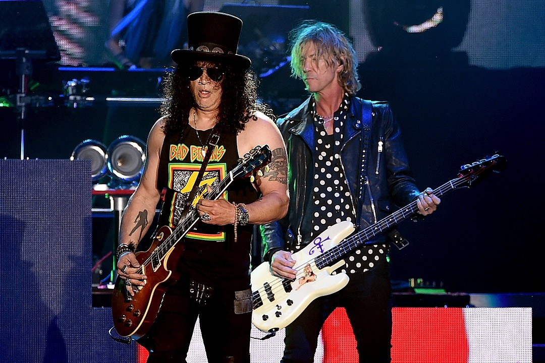 Watch Guns N' Roses Have a Spinal Tap Moment in Australia