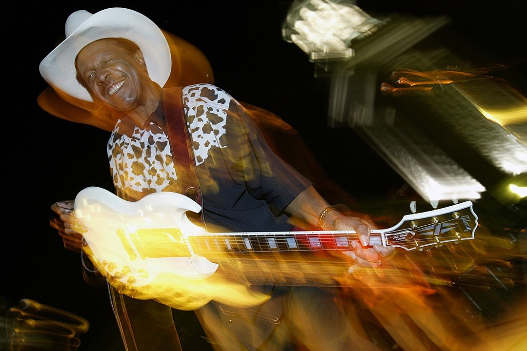 Guitarist Lonnie Brooks Dead at 83