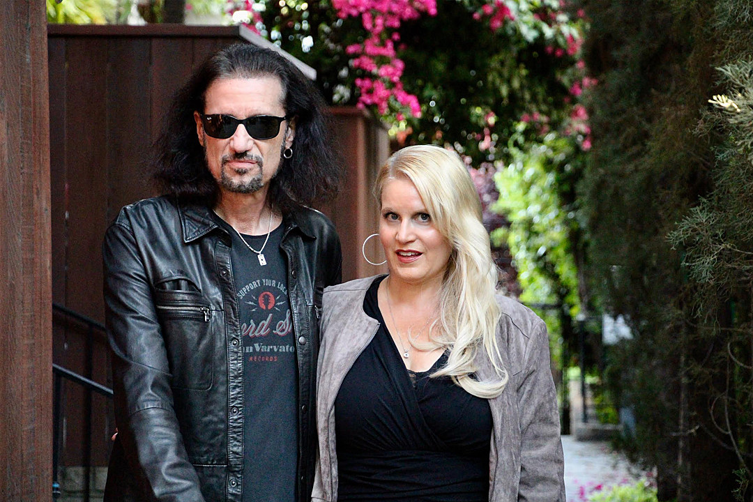 Bruce Kulick Teams Up With Wife Lisa Lane Kulick For New Song