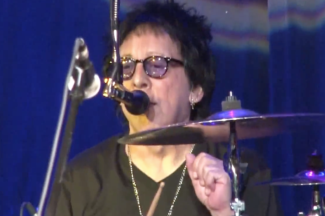 Peter Criss Plays First