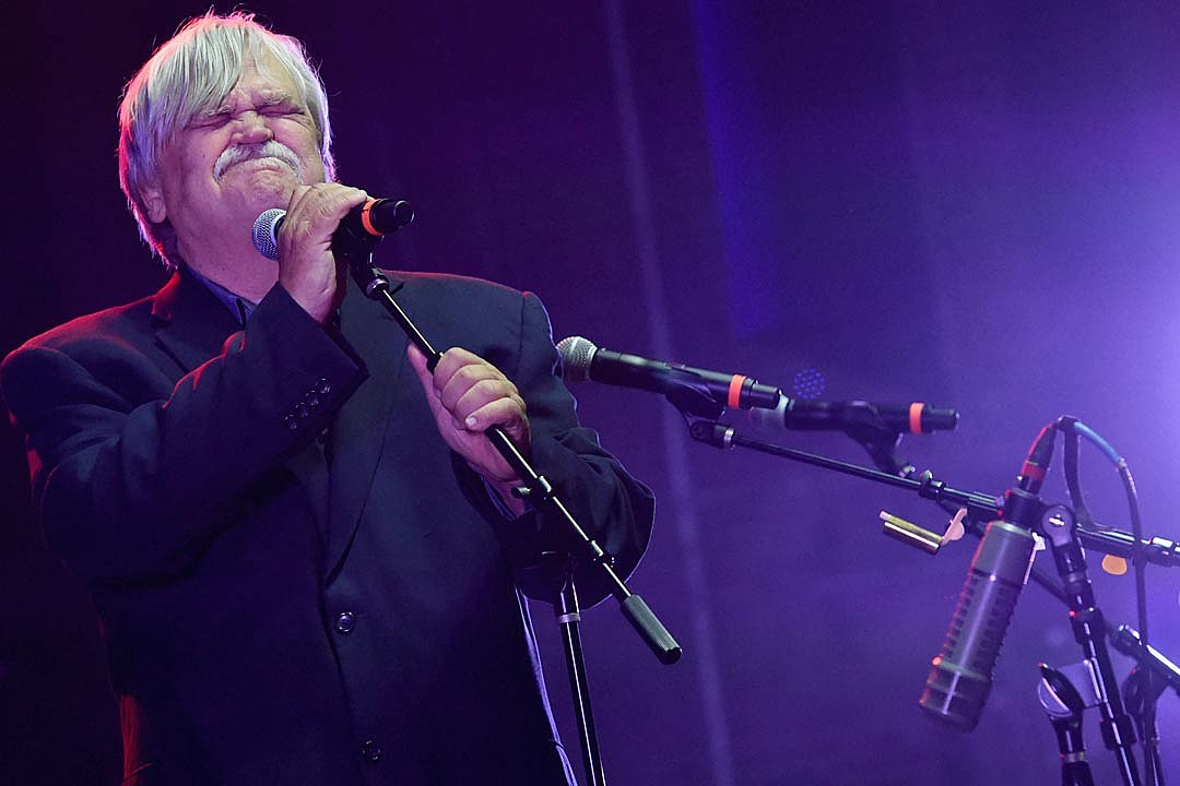 Col. Bruce Hampton Dead at 70