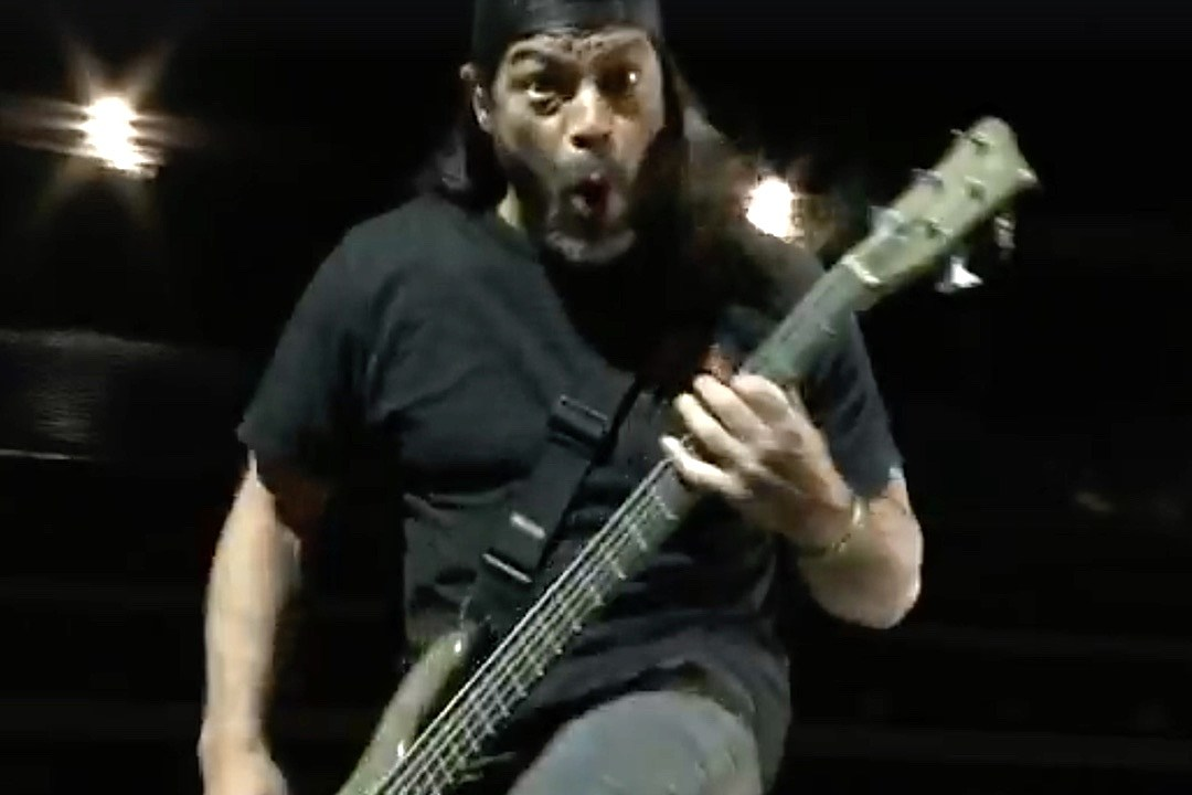 Watch Footage of Metallica