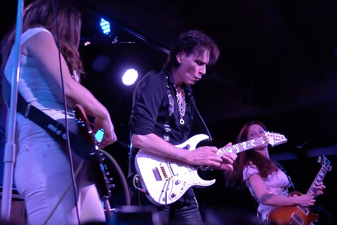 Watch Steve Vai Join Zepparella to Perform Led Zeppelin Classics