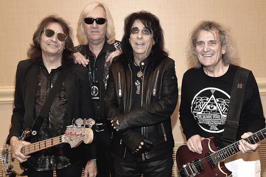 Dennis Dunaway Hopes for More Alice Cooper Reunion Shows