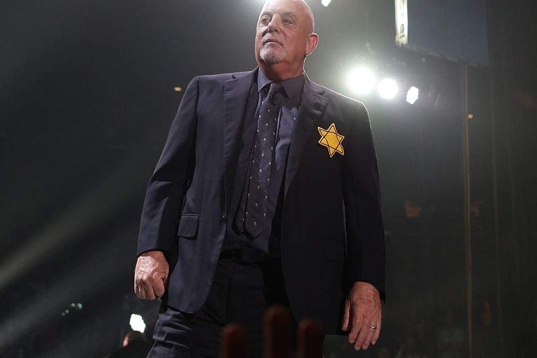 Billy Joel Dons Star of David Onstage, Says 'Goodbye' to Ousted Trump Officials