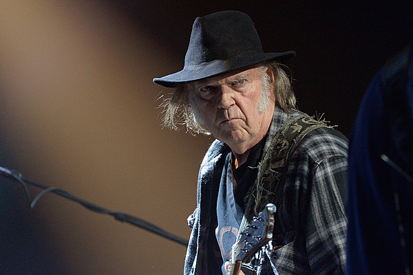 Neil Young to Place His Entire Archives Online