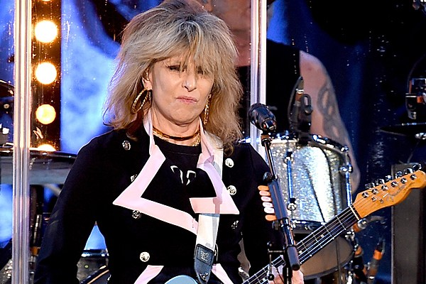 chrissie hynde stops pretenders show because of crowd u0026 39 s