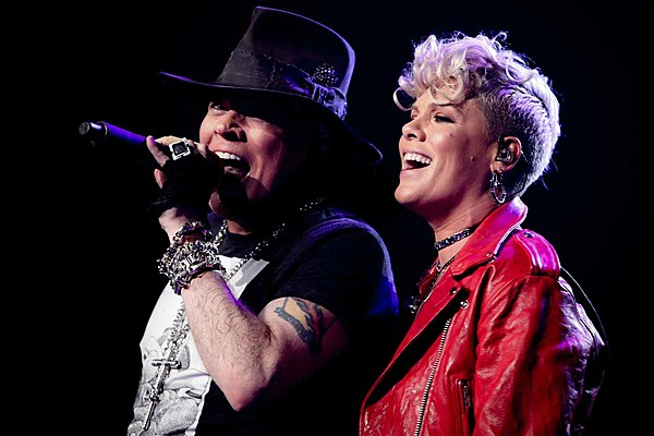 Pink Joins Guns N Roses For Patience At Madison Square Garden