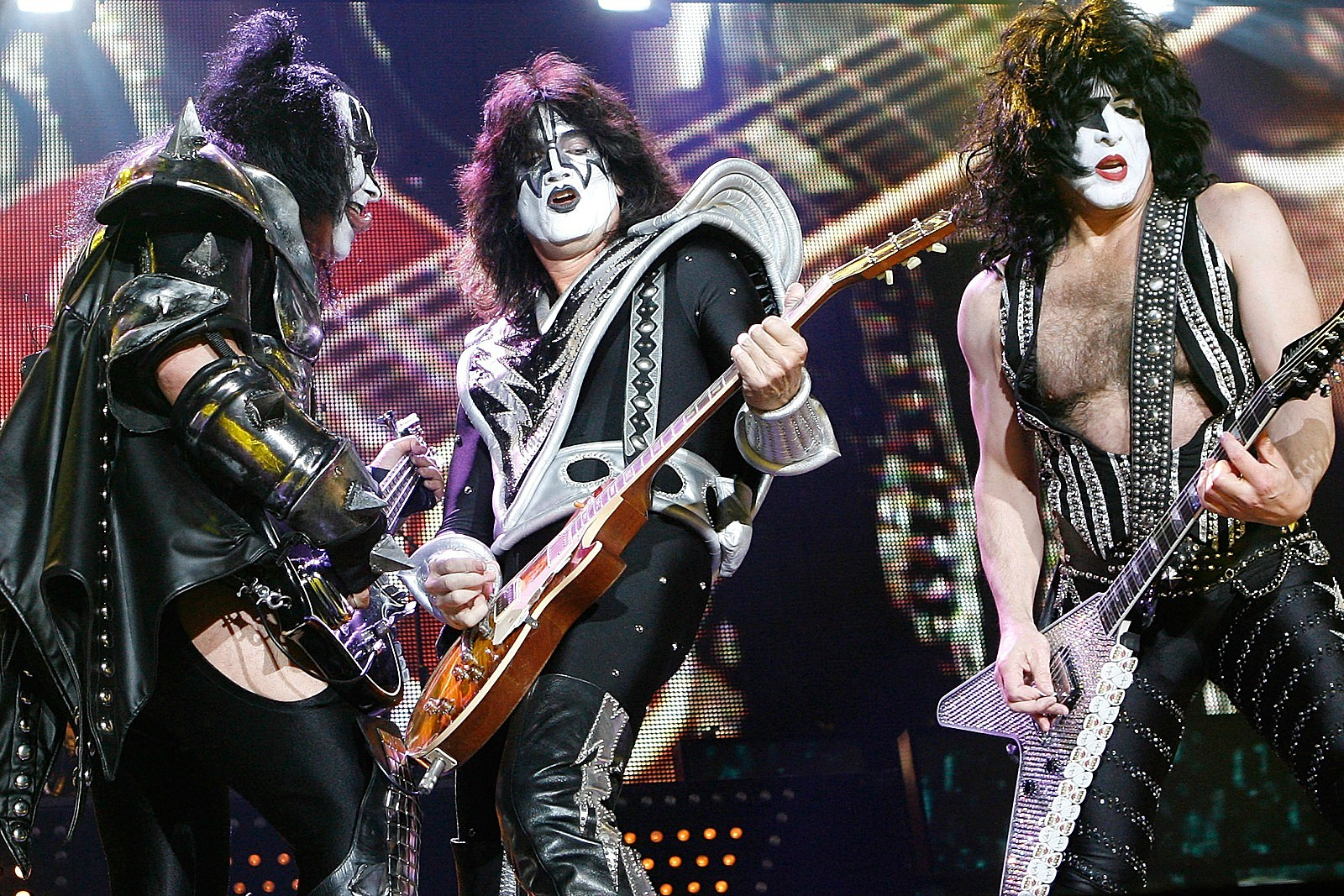 Paul Stanley Explains Kiss' 'The End of the Road' Trademark