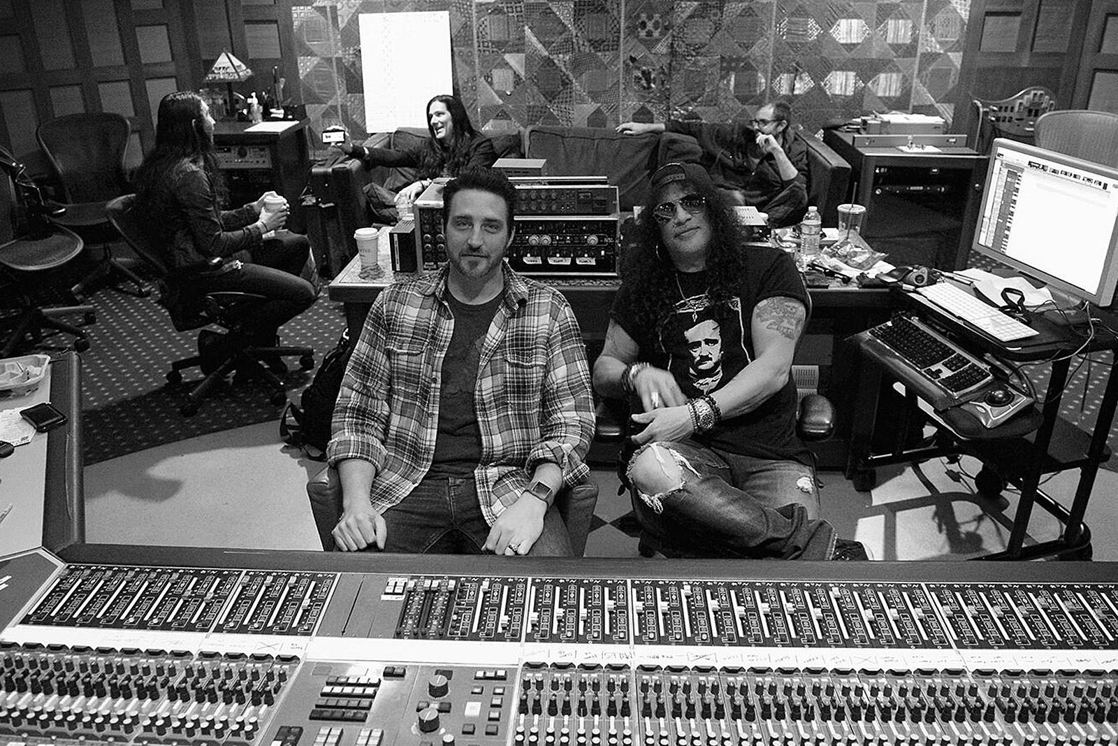 Slash Is Recording a New Solo Album