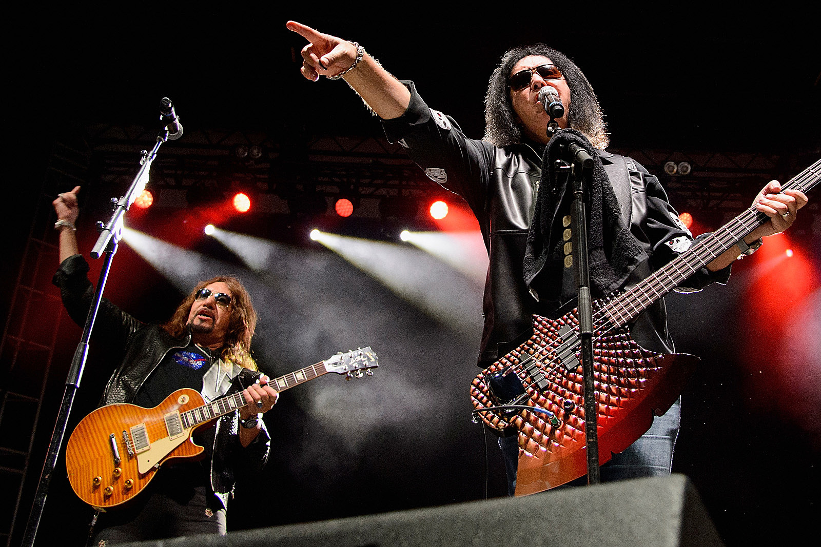 Gene Simmons Responds To Ace Frehley's 'Gloves Are Off' Comments