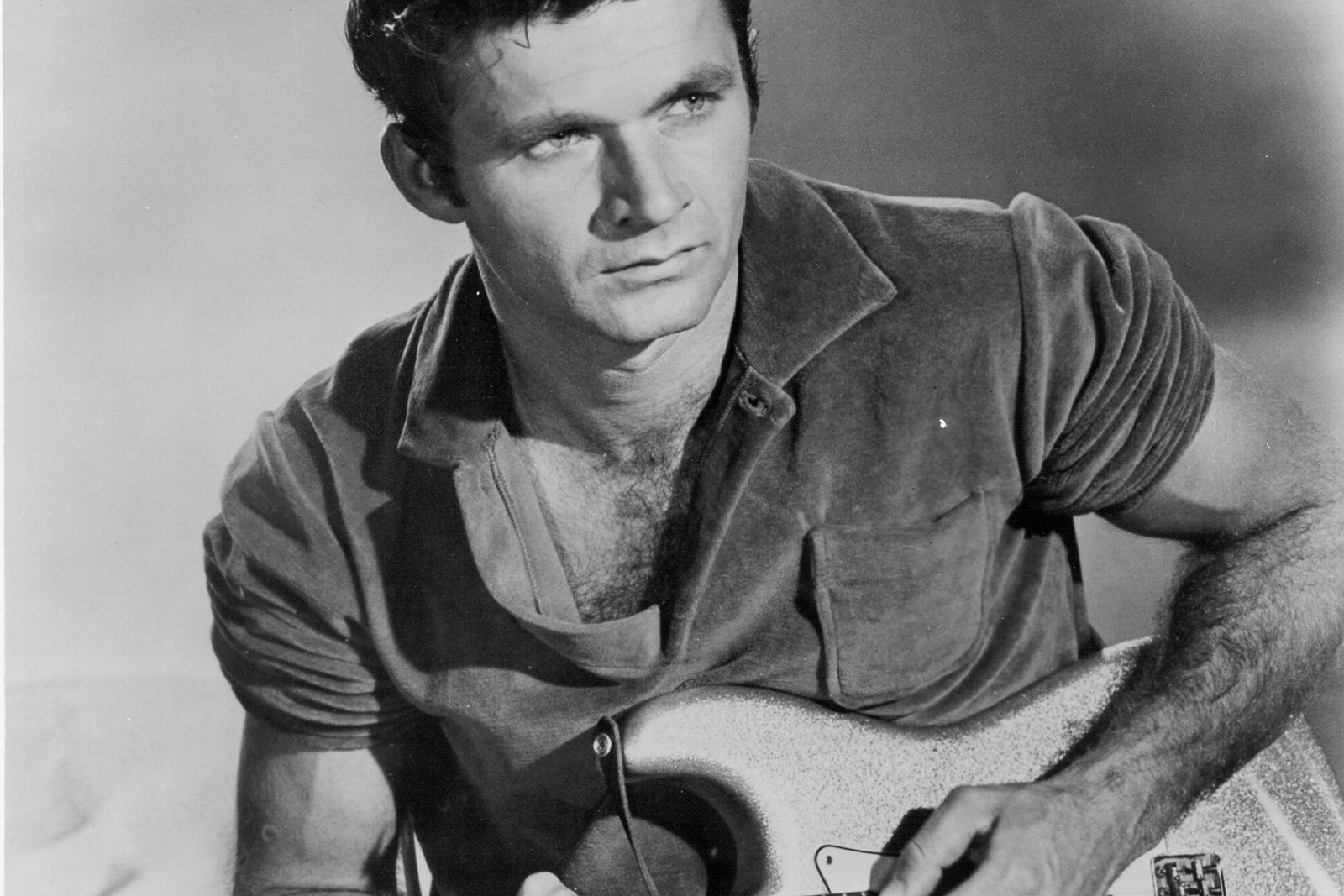 Dick Dale, the 'King of Surf Guitar,' Dies at 81