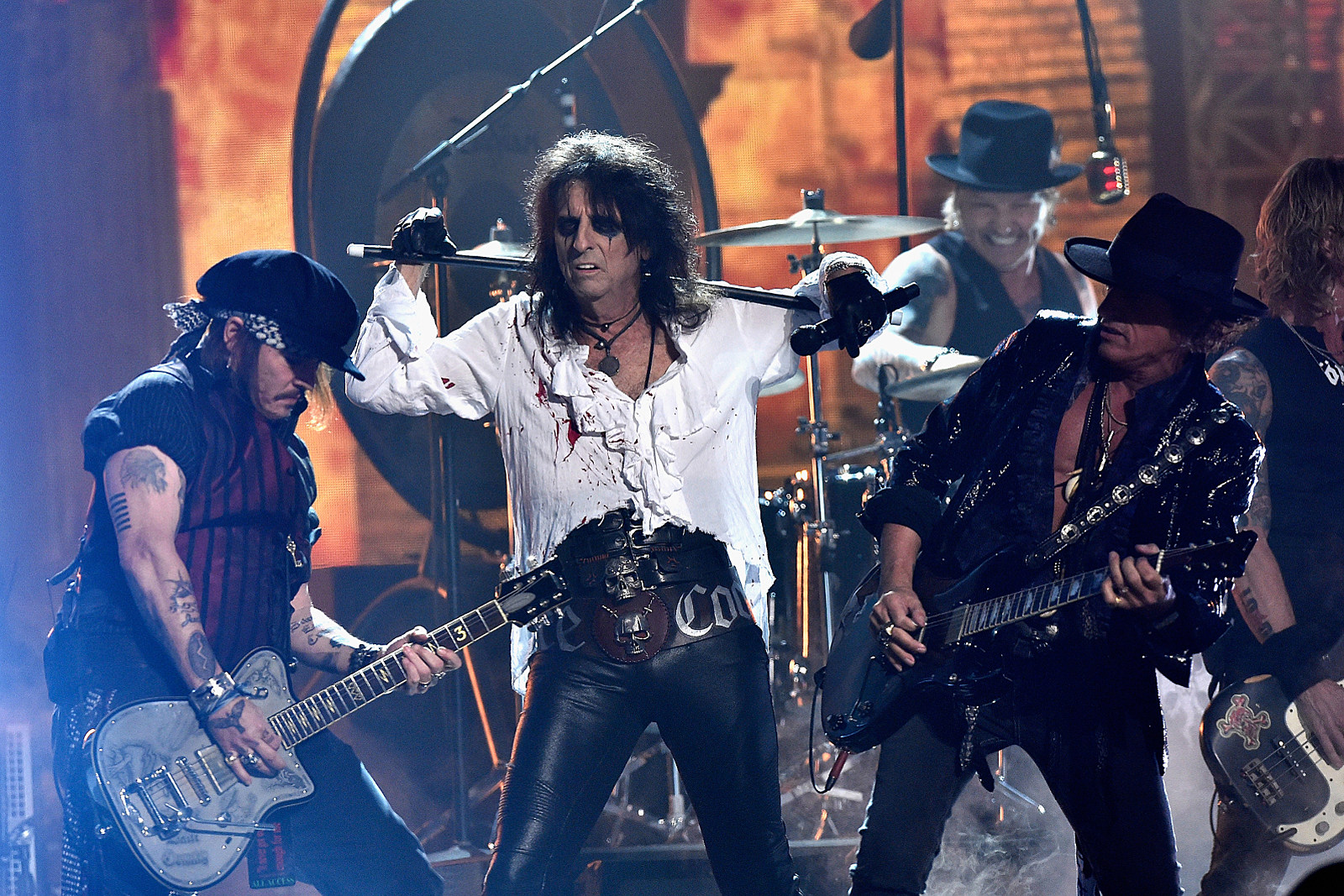 Hear Hollywood Vampires' New Song 'Who's Laughing Now'