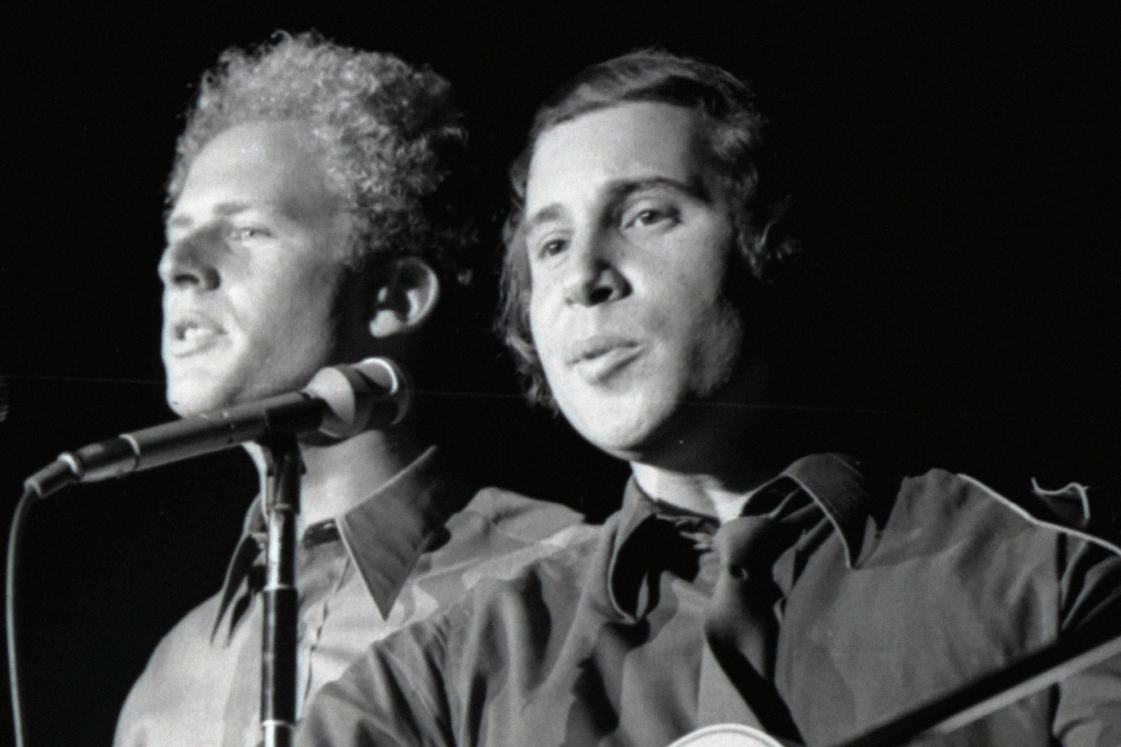 Simon and Garfunkel Release 'Live at Carnegie Hall 1969′ EP