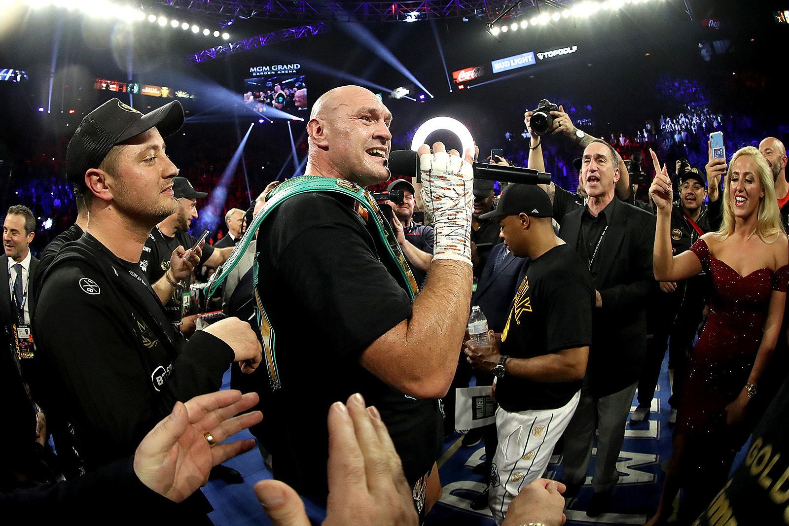 Watch Boxer Tyson Fury Sing 'American Pie' After Heavyweight Title Win