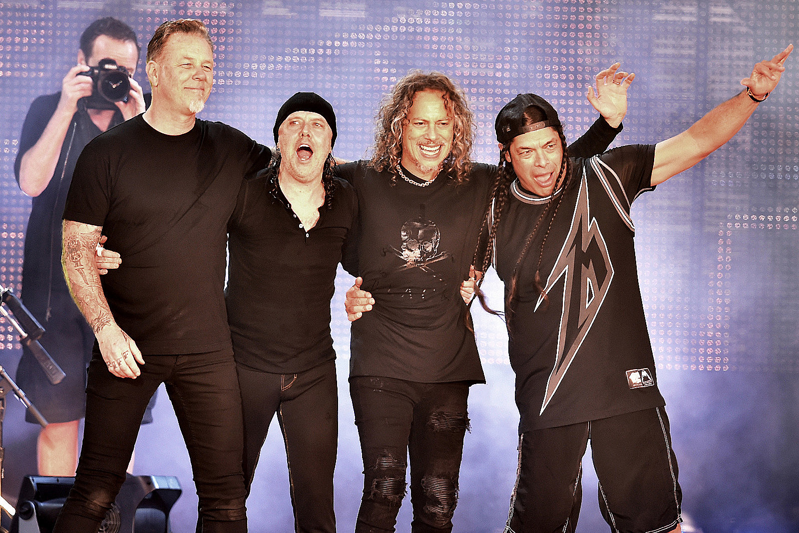 Metallica Sue Insurer Over Losses From Pandemic-Postponed Shows